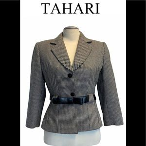 Tahari plaid belted wool buttoned blazer size 8